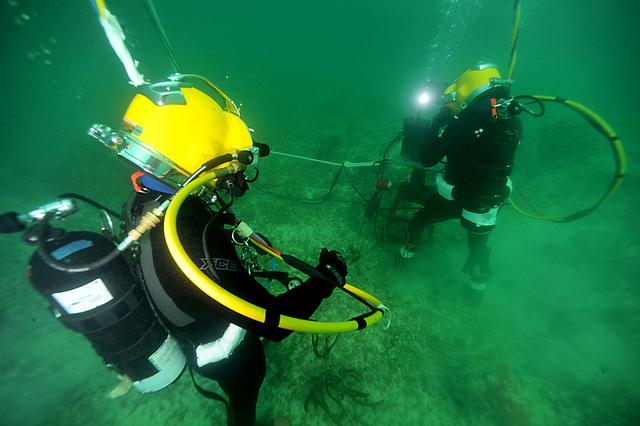 underwater welding torch training